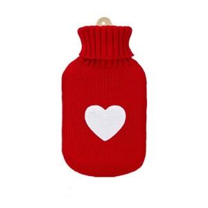 petite-bouillotte-a-eau-caoutchouc-rouge-coeur-blanc