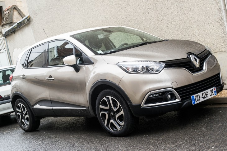 voiture test et avis sur la renault captur we are girlz. Black Bedroom Furniture Sets. Home Design Ideas